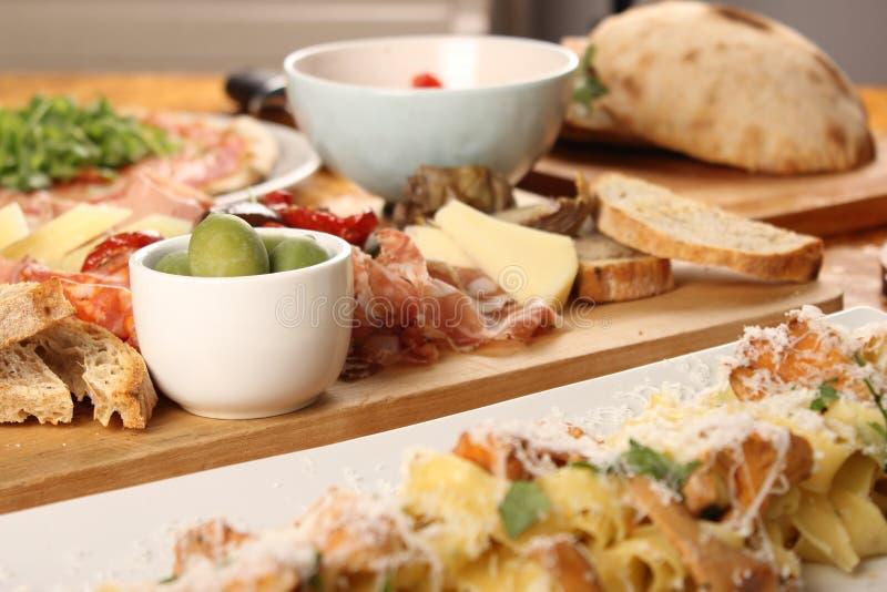 Foto de la cena italiana imagen de archivo