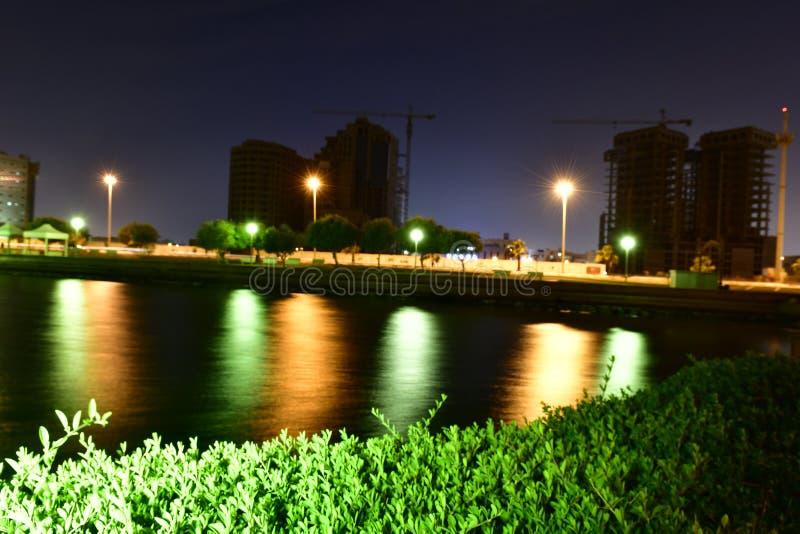 Foto de la noche en la playa en la provincia del este de la Arabia Saudita fotografía de archivo