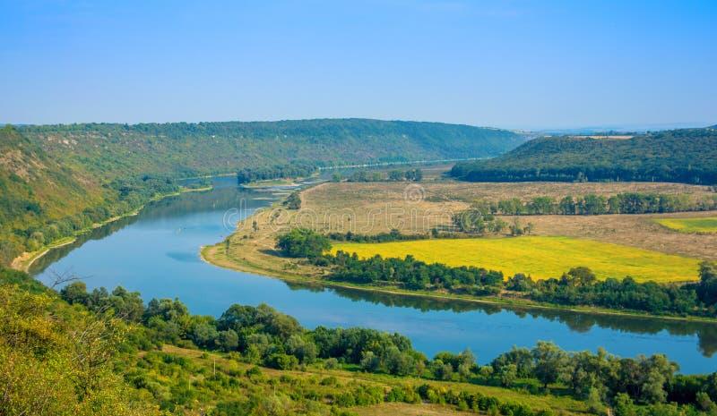 Foto de la opinión aérea del barranco magnífico del río fotos de archivo