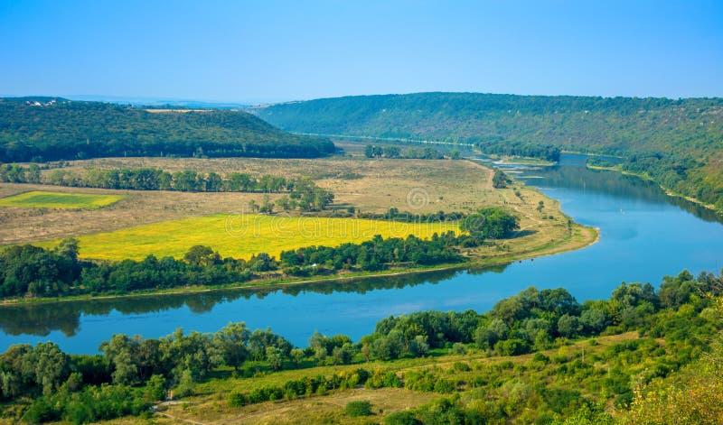 Foto de la opinión aérea del barranco magnífico del río imagenes de archivo