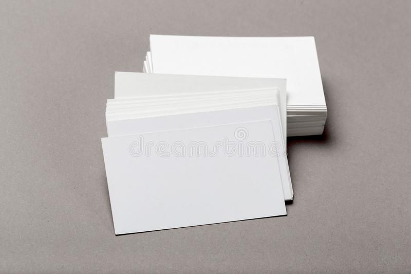 Foto de la pila de las tarjetas de visita Plantilla para la identidad de marcado en caliente foto de archivo