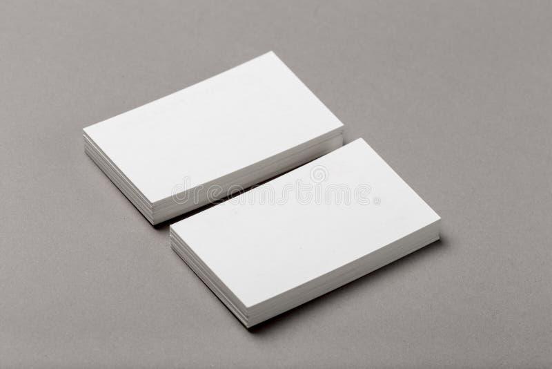 Foto de la pila de las tarjetas de visita Plantilla para la identidad de marcado en caliente imágenes de archivo libres de regalías