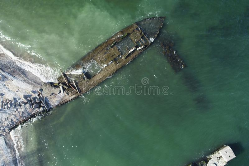 Foto de overblijfselen van een oud houten schip royalty-vrije stock afbeelding