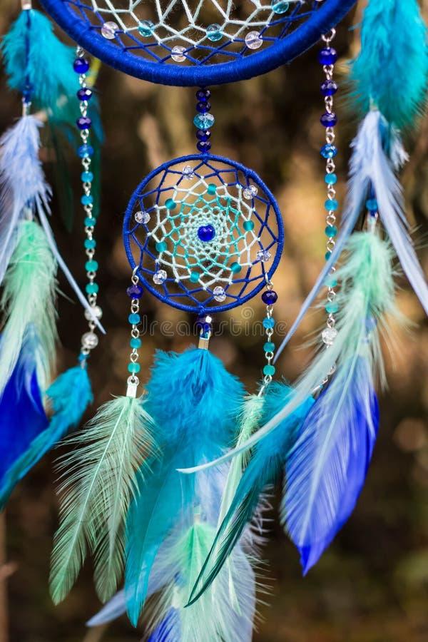 Foto de um dreamcatcher feito à mão fotos de stock royalty free