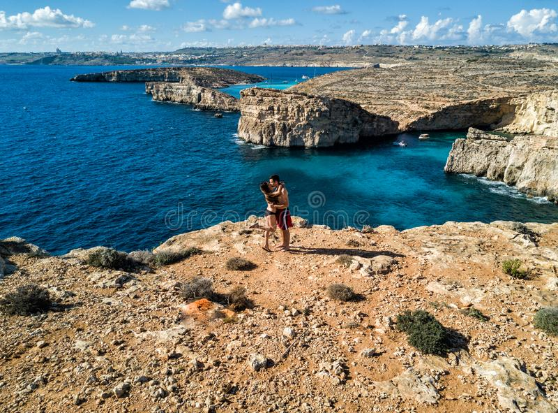 Foto del abejón - la laguna azul hermosa de la isla de Comino malta fotografía de archivo libre de regalías