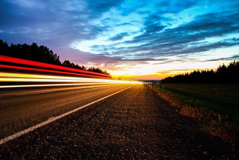 Foto del camino por la mañana fotografía de archivo