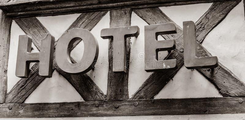 Foto del letrero viejo del hotel fotos de archivo