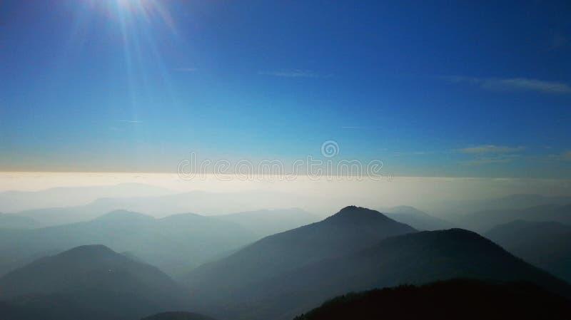Foto del paisaje de un punto álgido imagenes de archivo