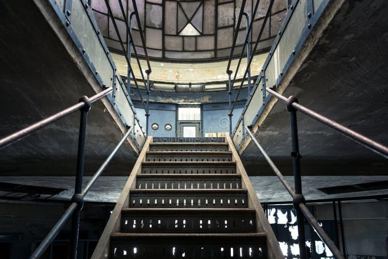 Foto del primo piano delle scale industriali fotografie stock libere da diritti