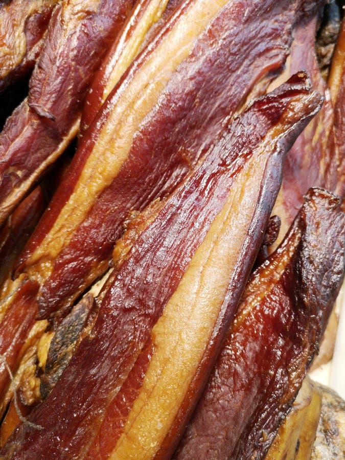 Foto del primo piano di bacon salato saporito immagine stock