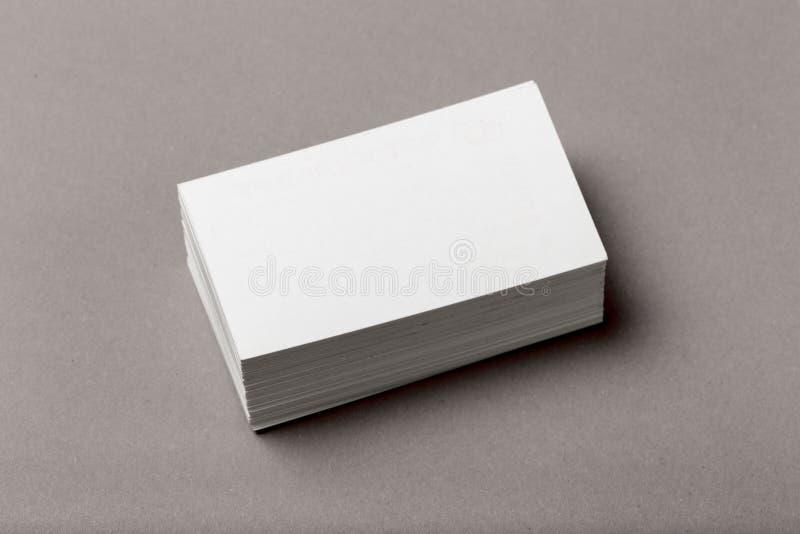 Foto della pila dei biglietti da visita Modello per l'identità marcante a caldo fotografie stock libere da diritti