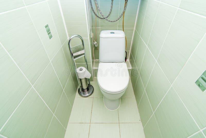 Foto della stanza della toilette pubblica fotografie stock libere da diritti