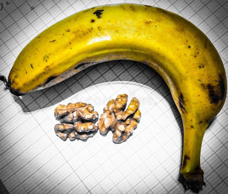 Foto der Banane und der Walnuss stockfoto