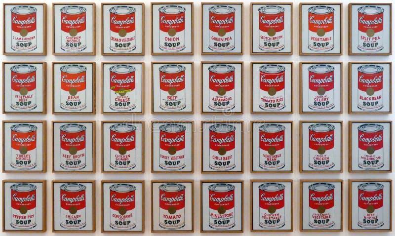 Foto der Vorlagenmalereien ` Campbell-` s Suppe macht ` durch Andy Warhol ein stockbilder