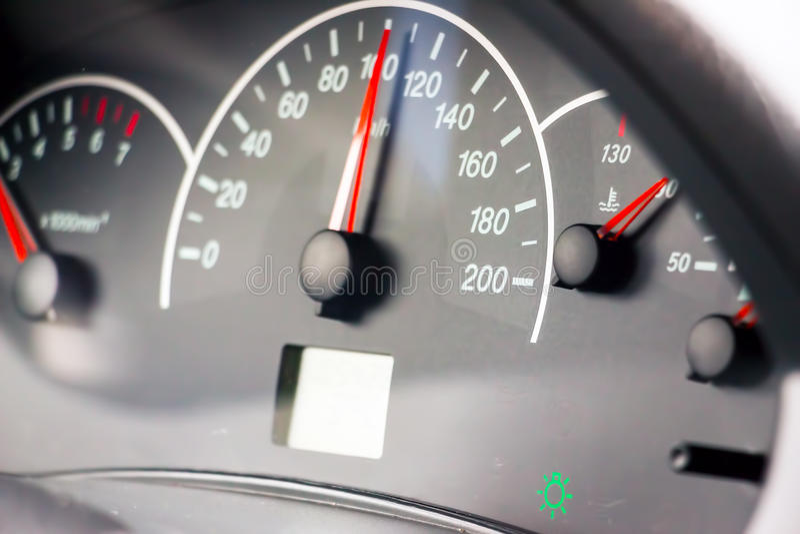 Foto des Geschwindigkeitsmessers lizenzfreie stockfotografie