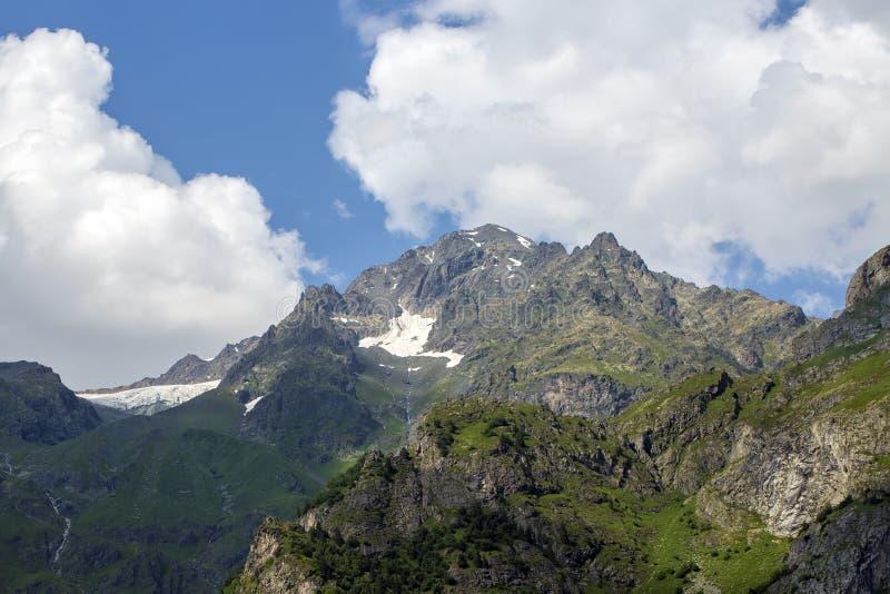 Foto di concetto di turismo di viaggio Georgia/Svaneti/Mestia fotografia stock