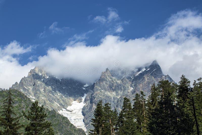 Foto di concetto di turismo di viaggio Georgia/Svaneti/Mestia fotografie stock