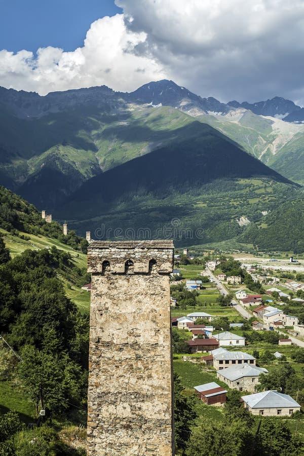 Foto di concetto di turismo di viaggio Georgia/Svaneti/Mestia immagine stock