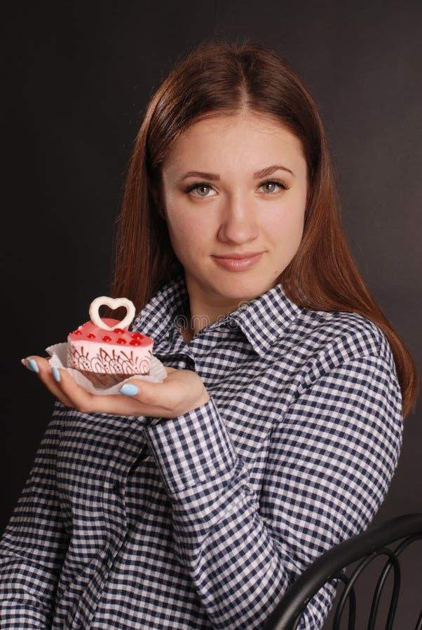 Foto di modo di giovane giorno di S. Valentino magnifico della donna fotografie stock libere da diritti