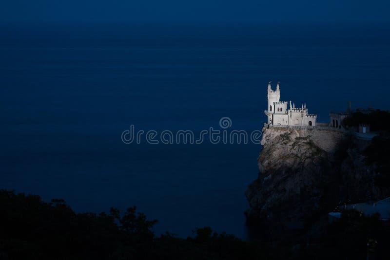 Foto di notte dello Swallow ben noto del castello immagini stock libere da diritti