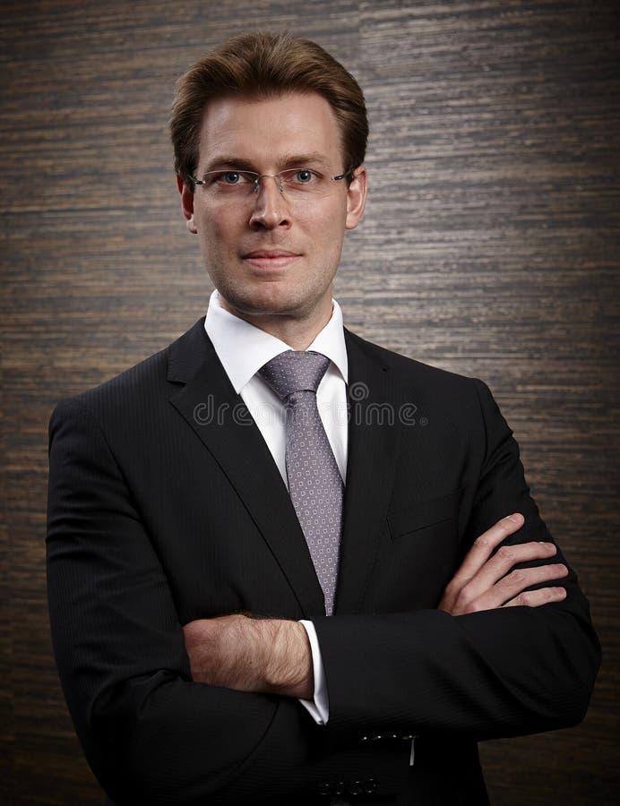 Foto di profilo corporativo di un uomo d'affari professionale fotografia stock