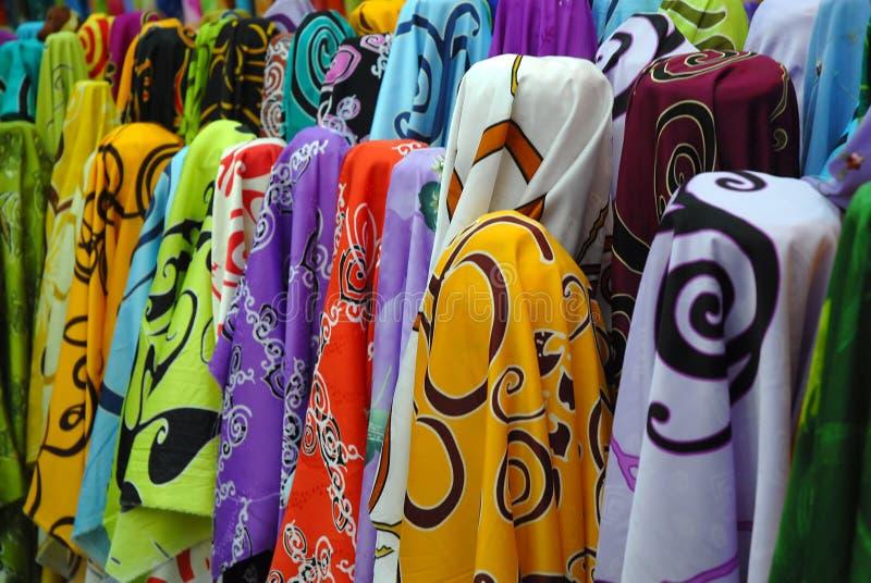 Foto di riserva del tessuto variopinto del batik immagine stock libera da diritti
