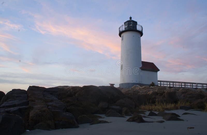 Foto di un faro in Nuova Inghilterra fotografia stock libera da diritti