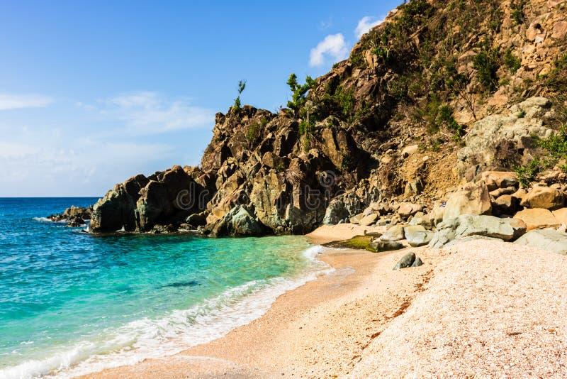 Foto di viaggio dell'isola della st Barth, i Caraibi Shell Beach famosa, nei Caraibi di St Bart della st Barth fotografie stock libere da diritti
