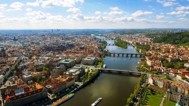 Foto di vista aerea di paesaggio urbano gotico storico di Città Vecchia Praga in repubblica Ceca immagine stock libera da diritti