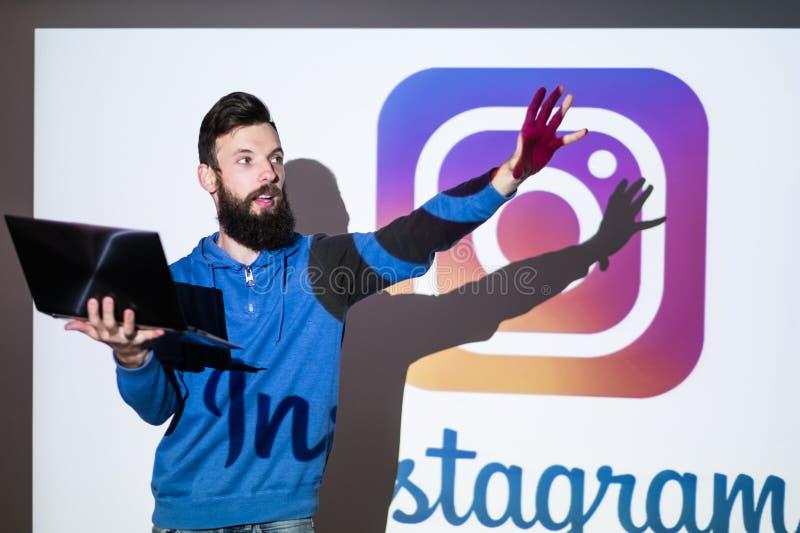 Foto die van het Instagram de sociale netwerk online delen stock afbeelding
