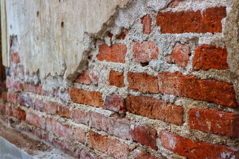 Foto do close-up da parede de tijolo vermelho, fundo marrom, velho do vintage foto de stock