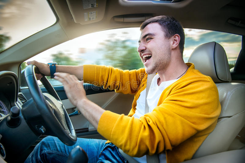 Foto do conceito da condução de carro insegura e perigosa imagem de stock royalty free