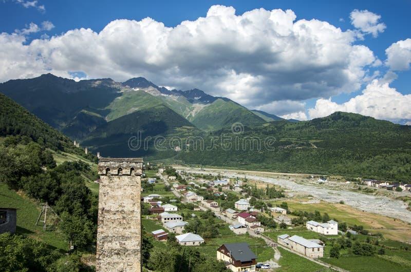 Foto do conceito do turismo do curso Geórgia/Svaneti/Mestia imagens de stock royalty free
