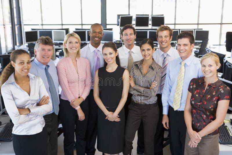 Foto do grupo da equipe dos comerciantes conservados em estoque imagens de stock