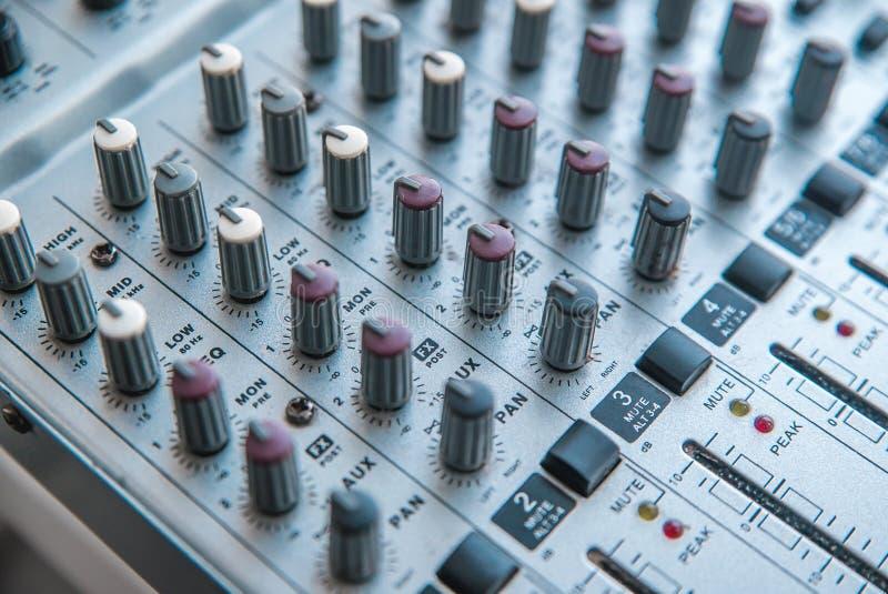 Foto do misturador audio análogo fotografia de stock royalty free