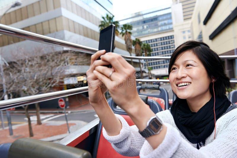 Foto do ônibus de turista imagens de stock