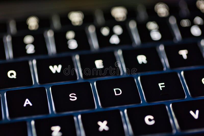 Foto do teclado retroiluminado mais clavier do teclado fotografia de stock