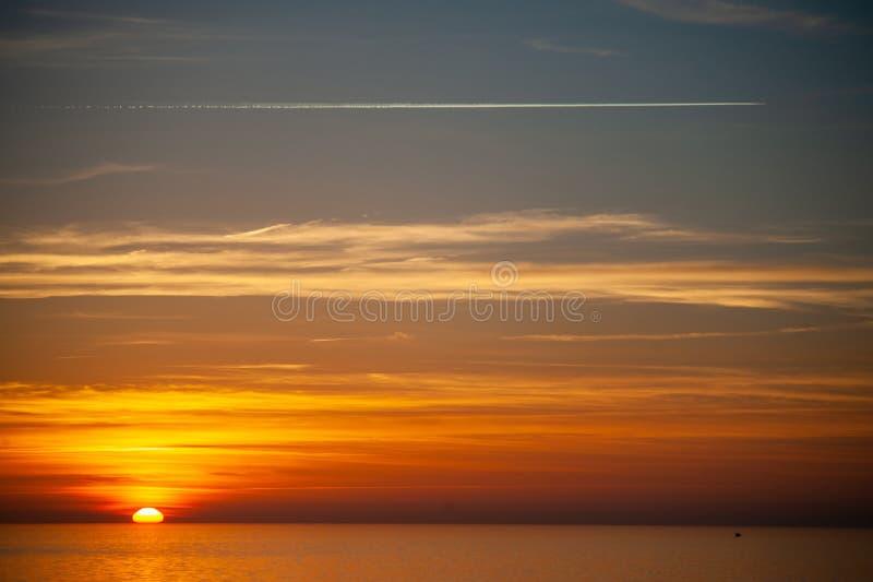 Foto eines drastischen Sonnenuntergangs lizenzfreies stockfoto