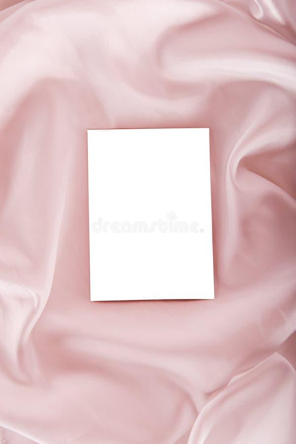 Foto en blanco en la seda foto de archivo libre de regalías