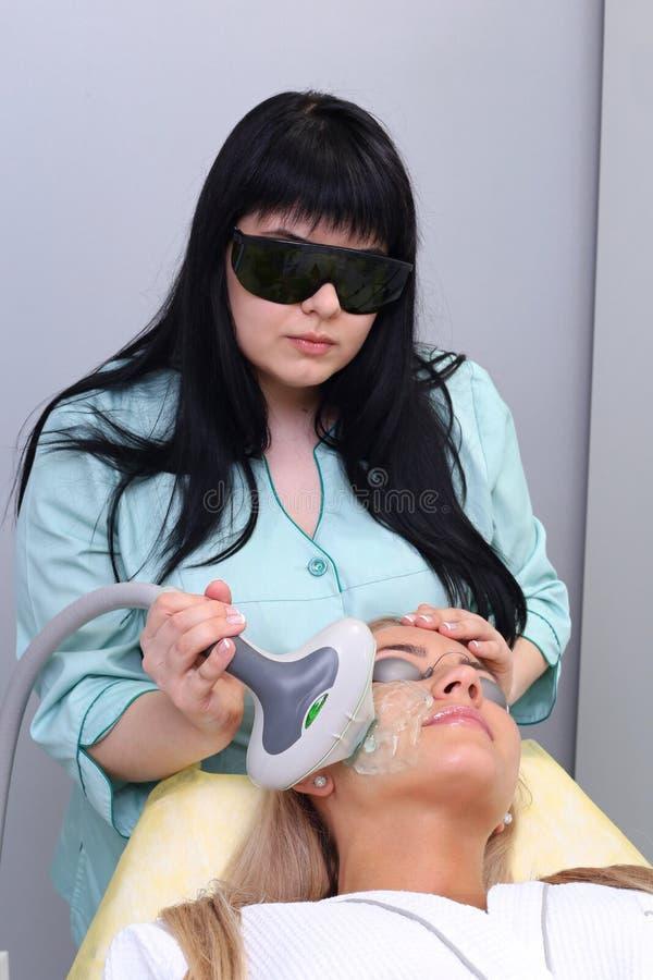 Foto-Gesichtsbehandlungs-Therapie Antialternverfahren stockbild