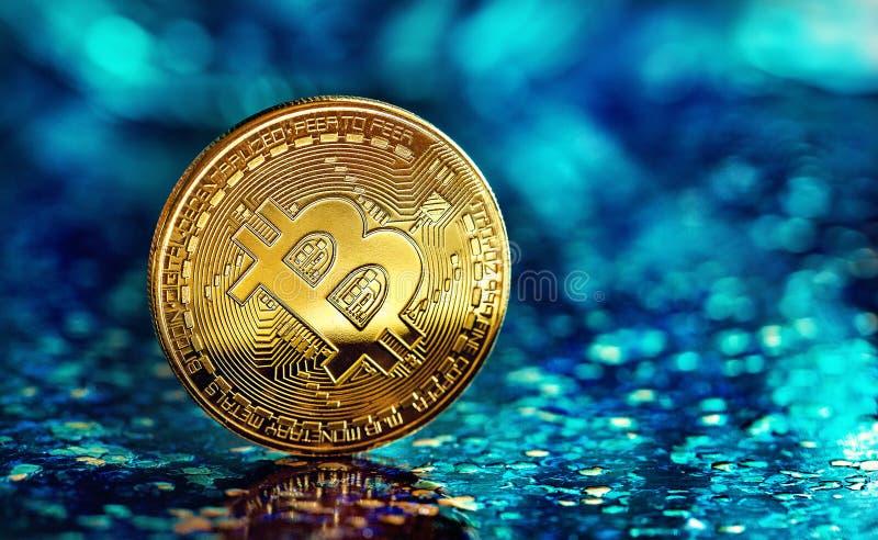 Foto Golden Bitcoin nuova moneta virtuale immagine stock
