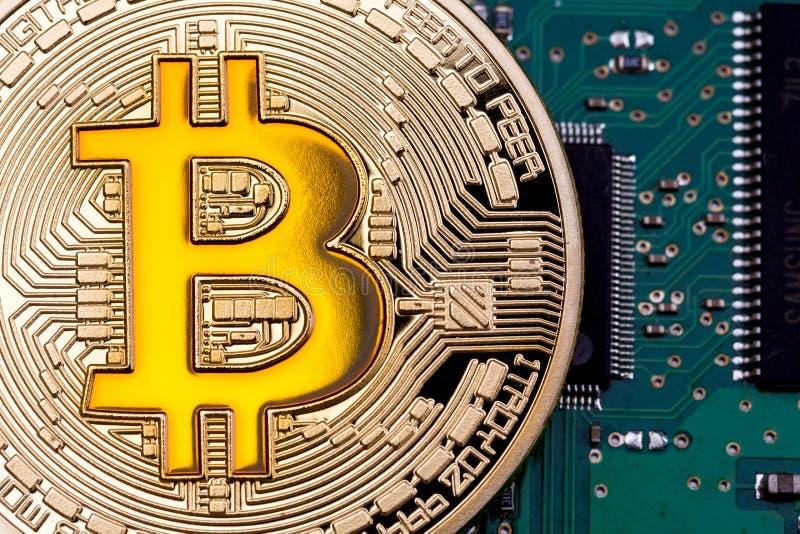 Foto goldenes bitcoin lizenzfreie stockfotos