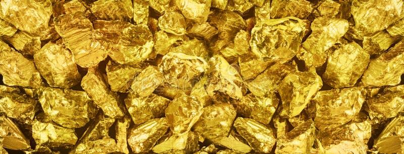 |Foto grande do panorama do close-up dourado de muitas pepitas Backgr largo imagem de stock royalty free