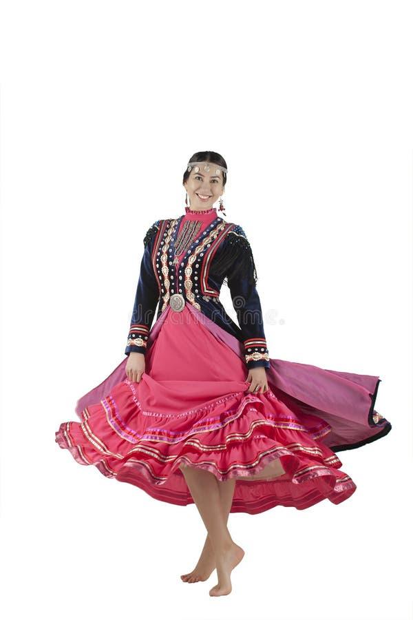 Foto isolada da aparência oriental da menina em um completo, no traje nacional Bashkir foto de stock royalty free