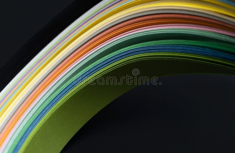 Foto macra de las líneas onduladas brillantes del extracto en fondo negro Rect?ngulos azules 2 foto de archivo