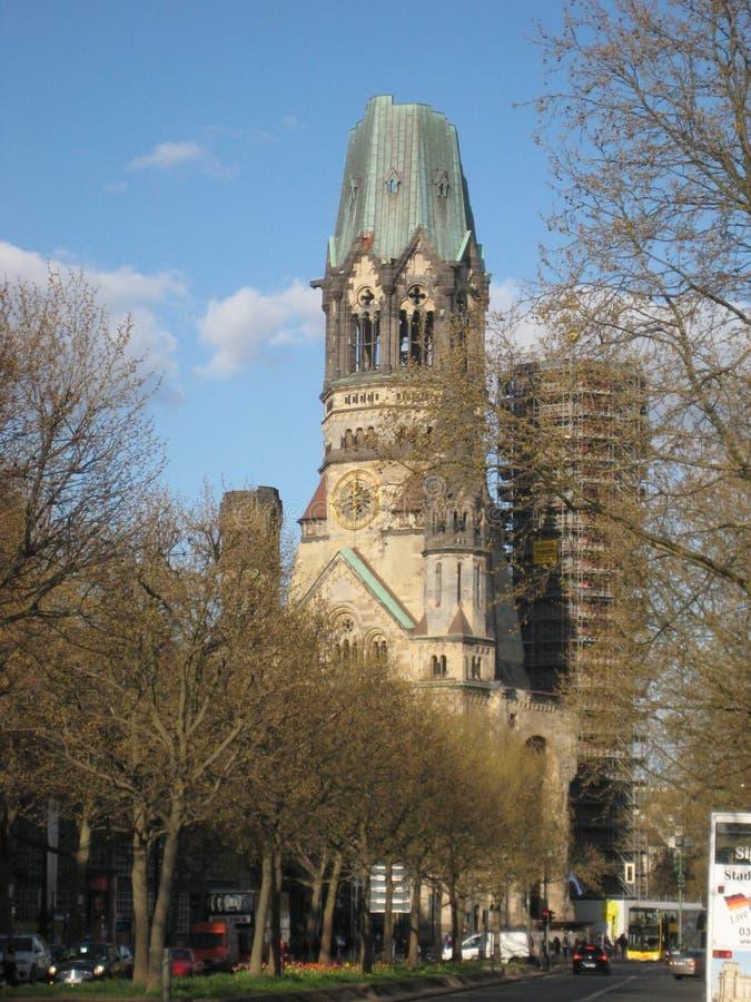 Foto macro com a arquitetura do fundo da construção velha da igreja memorável na capital alemão imagens de stock royalty free