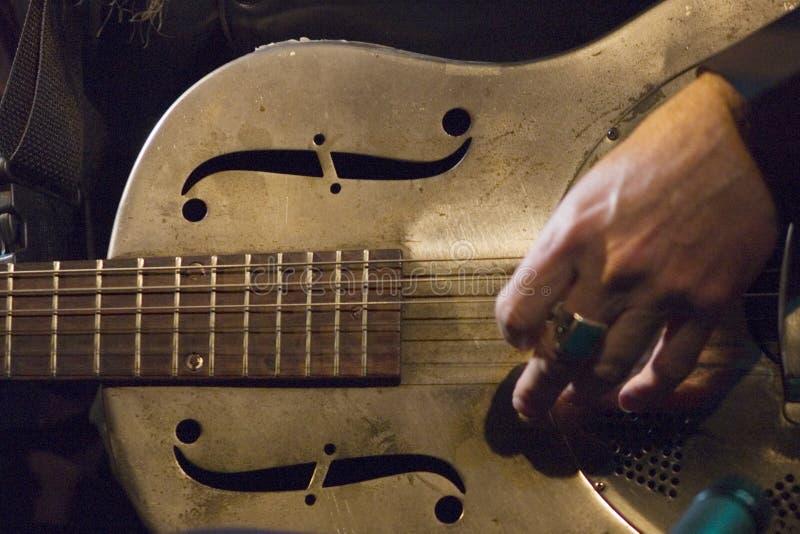 Download Guitarra de aço imagem de stock. Imagem de popular, noite - 29837611