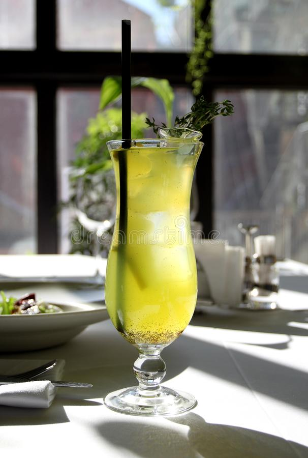 Foto macro de um cocktail delicioso imagem de stock