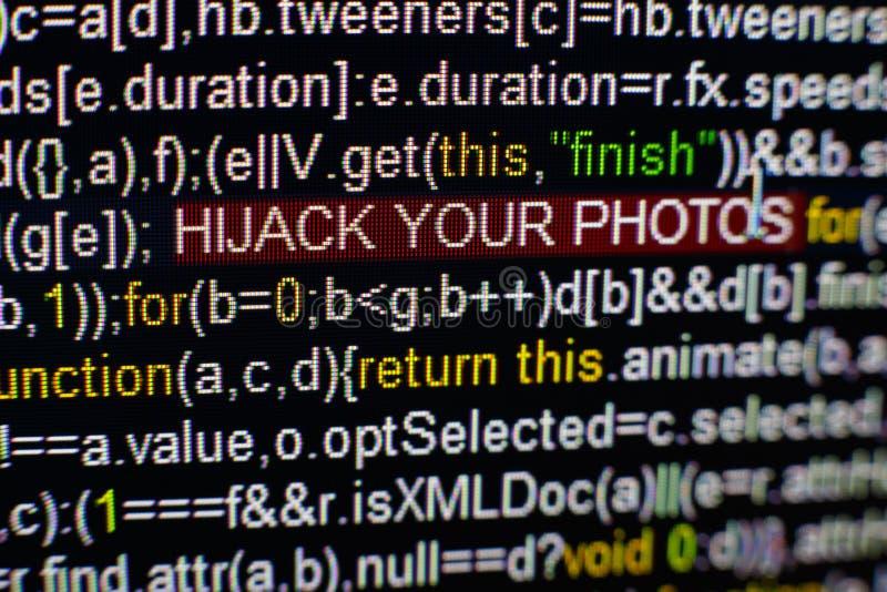 Foto macro do tela de computador com código fonte do programa e DESVIO DE AVIÃO destacado SUA inscrição das FOTOS no meio fotografia de stock