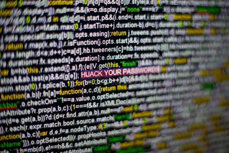 Foto macro do tela de computador com código fonte do programa e DESVIO DE AVIÃO destacado SUA inscrição das SENHAS no meio fotografia de stock